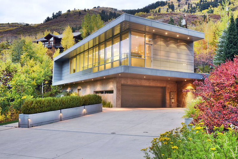 Modern aspen home on sale for million extravaganzi for Contemporary homes for sale virginia