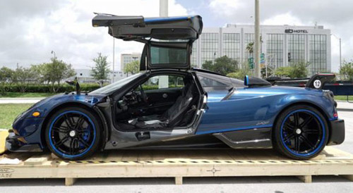 Pagani Huayra BC Blue Carbon Is Totally Unique