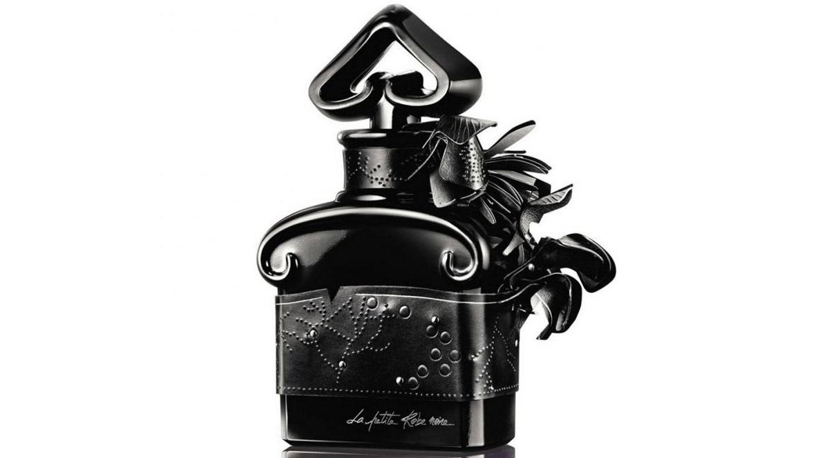 guerlain la petite robe noire perfume 5th anniversary edition extravaganzi. Black Bedroom Furniture Sets. Home Design Ideas
