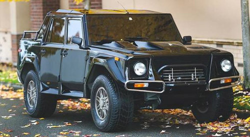 Lamborghini LM002 Could Fetch $500,000 At Auction
