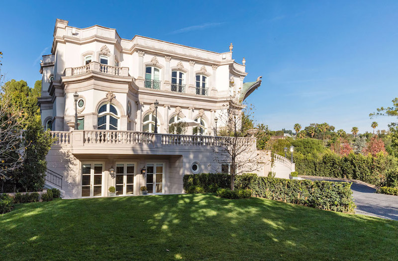 French baroque mansion in beverly hills on sale for 35 for Beverly hill mansions for sale