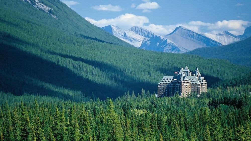 World Famous Fairmont Banff Springs Hotel Extravaganzi