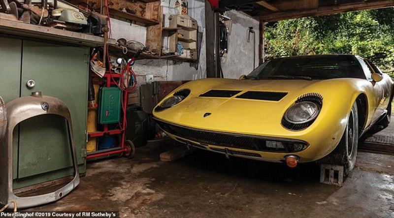 Lamborghini Miura Auctioned For $1.5 Million