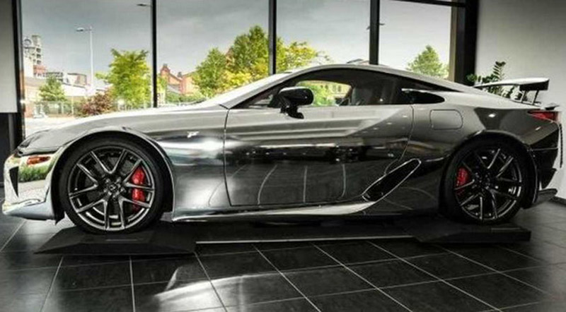 """""""Chrome"""" Lexus LFA With Only 870 km On Sale For More Than €1 Million"""